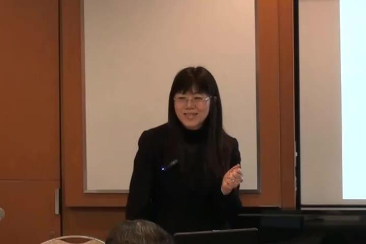 「感情感情感情とできるプログラムはあまりないので」嬉しそうな鈴木先生